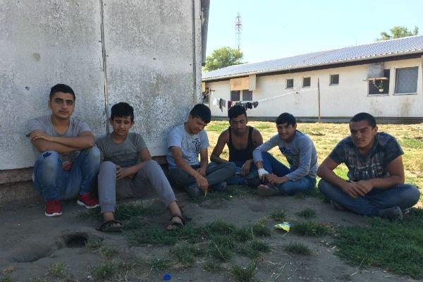 اللاجئون القاصرون يعانون من التشرد