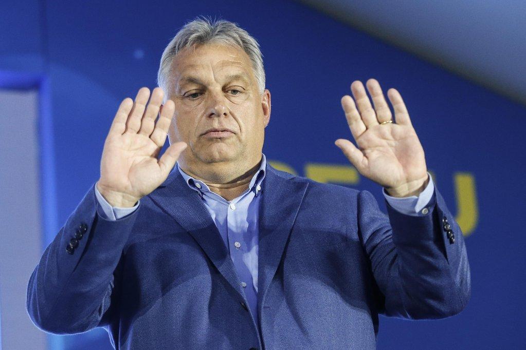 رئيس وزراء المجر يسعى لـحظر الهجرة إلى أوروبا!