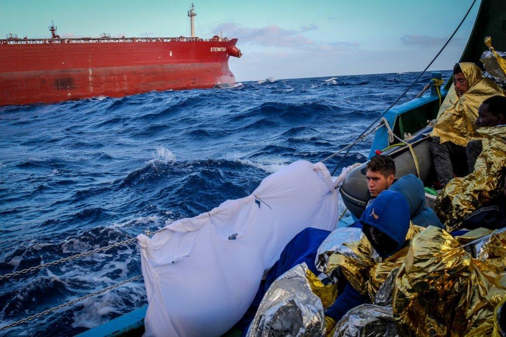 الجيش اللبناني يعترض محاولة تهريب 11 شخصاً عبر البحر
