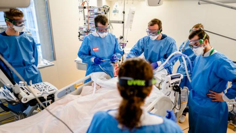 إصابات جديدة خلال الأسبوع الماضي وزيادة سريعة في دخول المستشفيات في هولندا