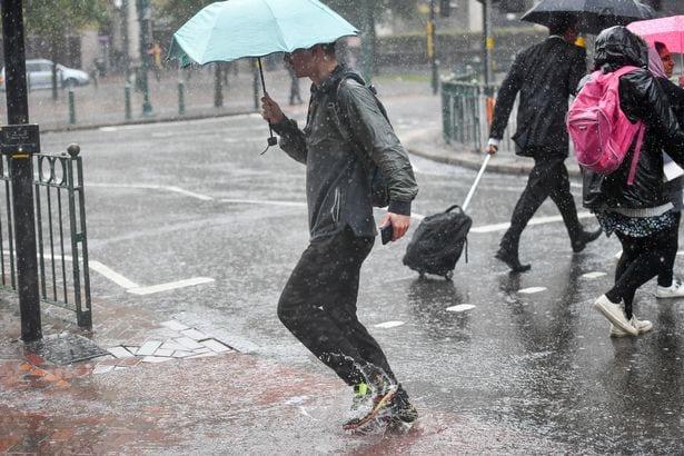 عواصف رعدية وأمطار غزيرة لمدة أسبوع