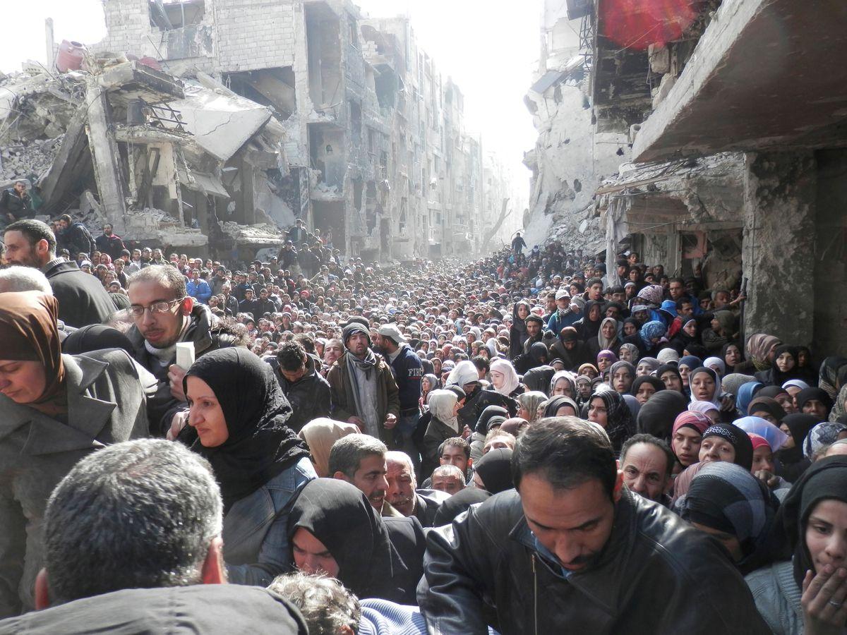ألمانيا تعتقل سورياً يشتبه به في هجوم بقنبلة في مخيم للاجئين قرب دمشق