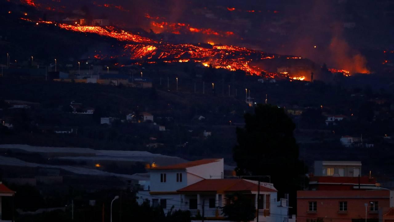 المزيد من عمليات الإجلاء بعد ثوران بركان لا بالما ومن المتوقع حدوث انفجارات وغازات سامة