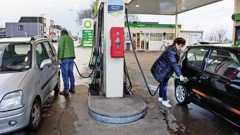 ارتفاع أسعار النفط ولتر البنزين مرة أخرى اليوم إلى مستويات قياسية في هولندا
