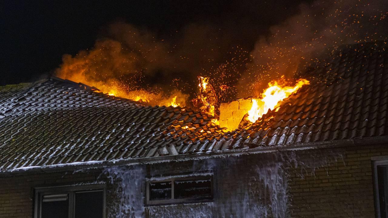 حريق دمر منزل في Best ربما أشعله أحد السكان